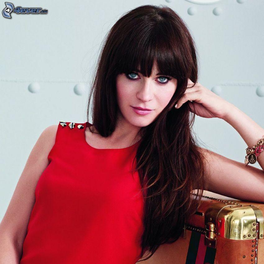 Zooey Deschanel, czerwona sukienka