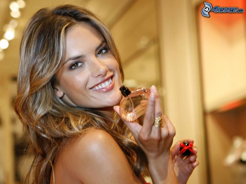 Alessandra Ambrosio, perfumy