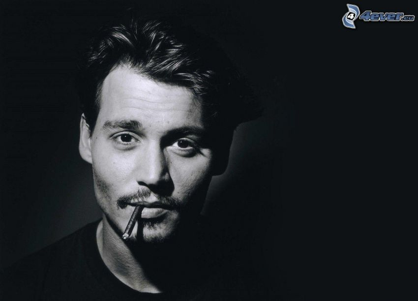 mężczyzna, papieros, czarno-białe zdjęcie