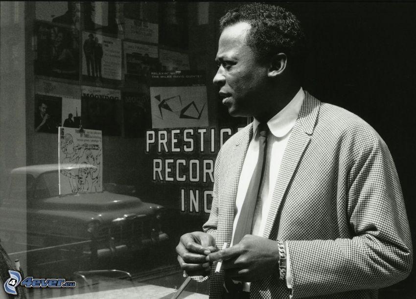 Miles Davis, czarno-białe zdjęcie