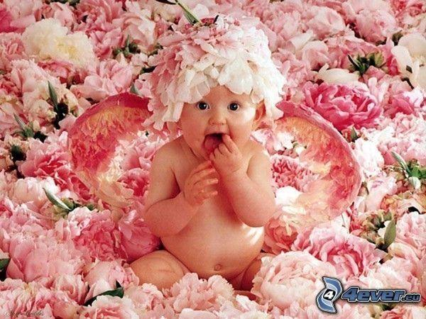 dziecko w kwiatach