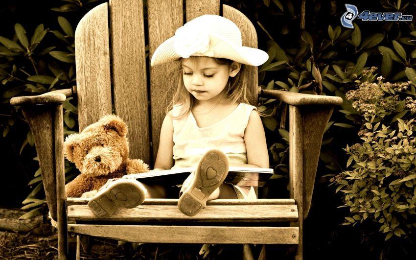 dziewczynka, miś pluszowy, krzesło