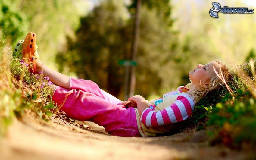 dziewczynka, odpoczynek