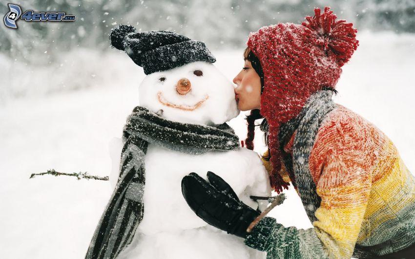 dziewczyna, bałwan, pocałunek, opady śniegu