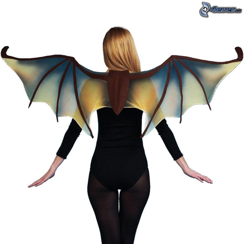 kobieta ze skrzydłami, skrzydła nietoperza, kostium