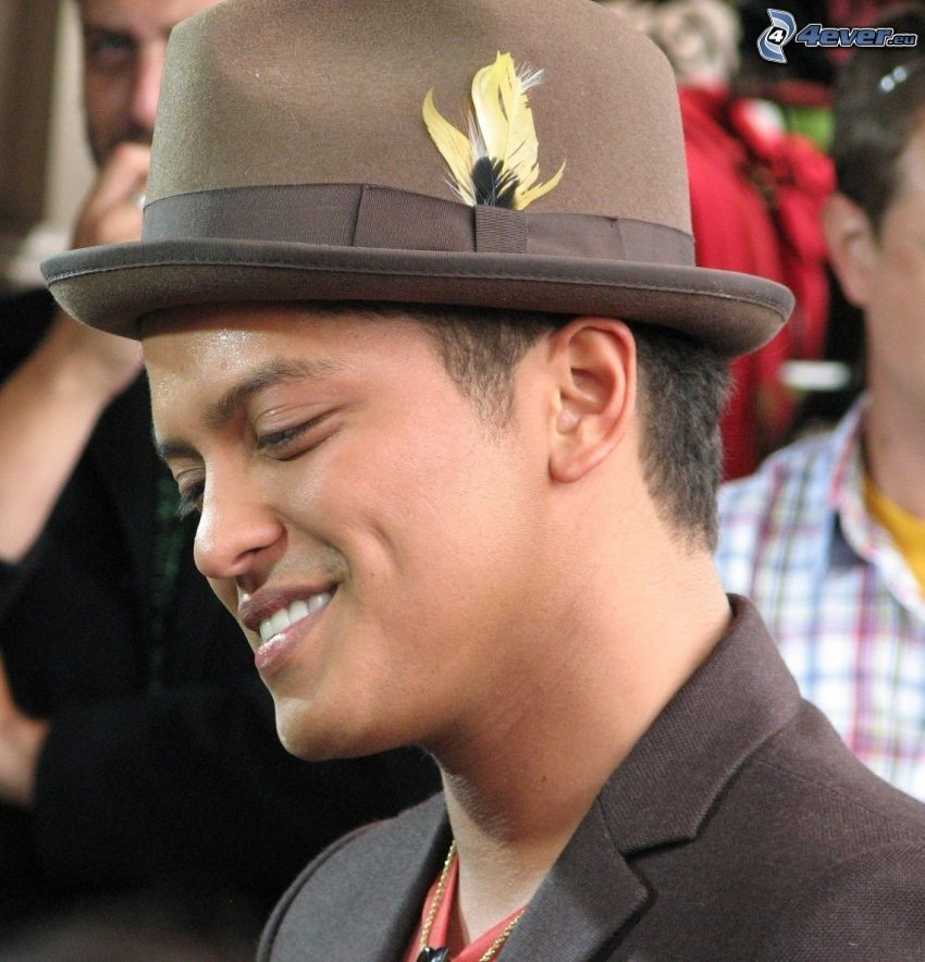 Bruno Mars, kapelusz