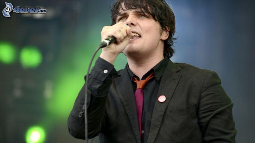 Gerard Way, śpiew