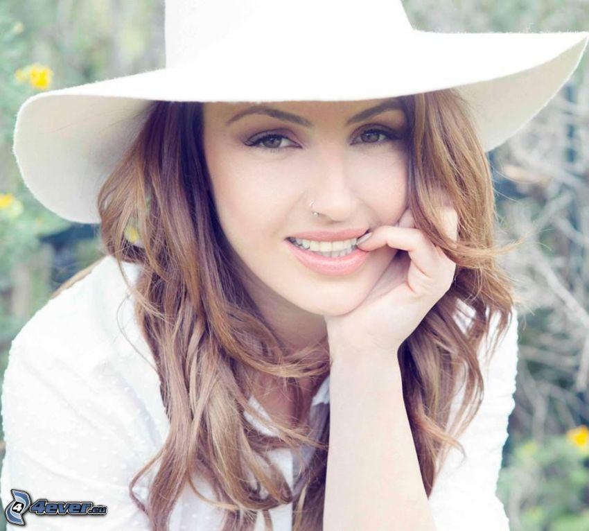 Helena Paparizou, kapelusz, uśmiech