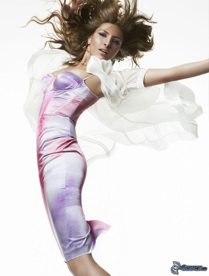Helena Paparizou, różowa sukienka, skok