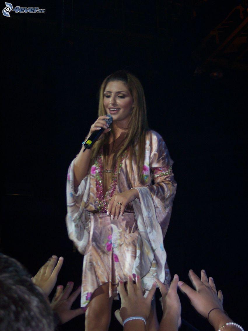 Helena Paparizou, śpiew, ręce