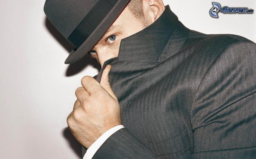 Justin Timberlake, mężczyzna w garniturze, kapelusz