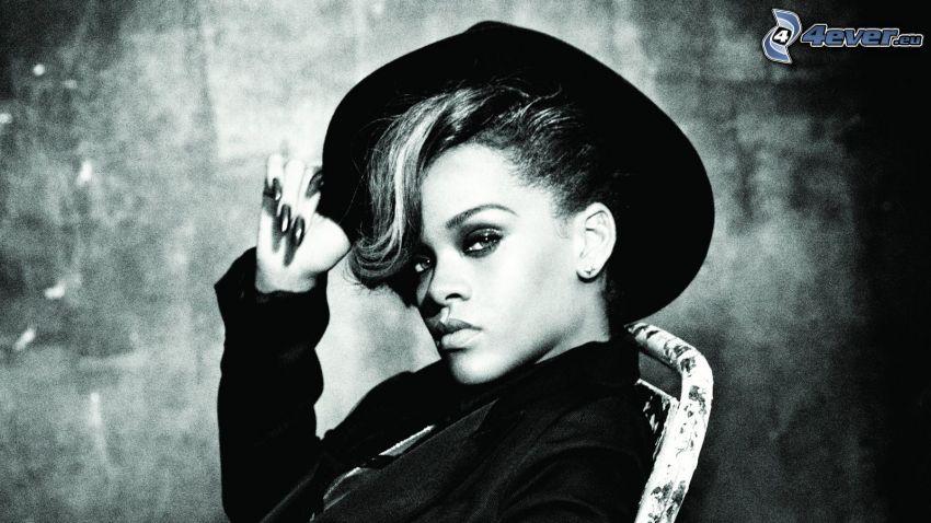 Rihanna, kapelusz
