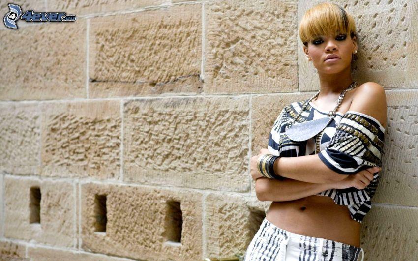 Rihanna, ściana