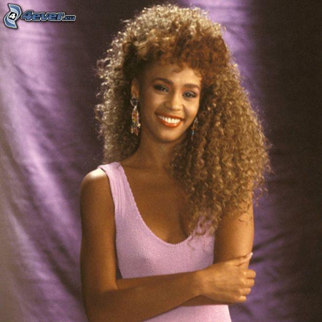 Whitney Houston, uśmiech, kręcone włosy