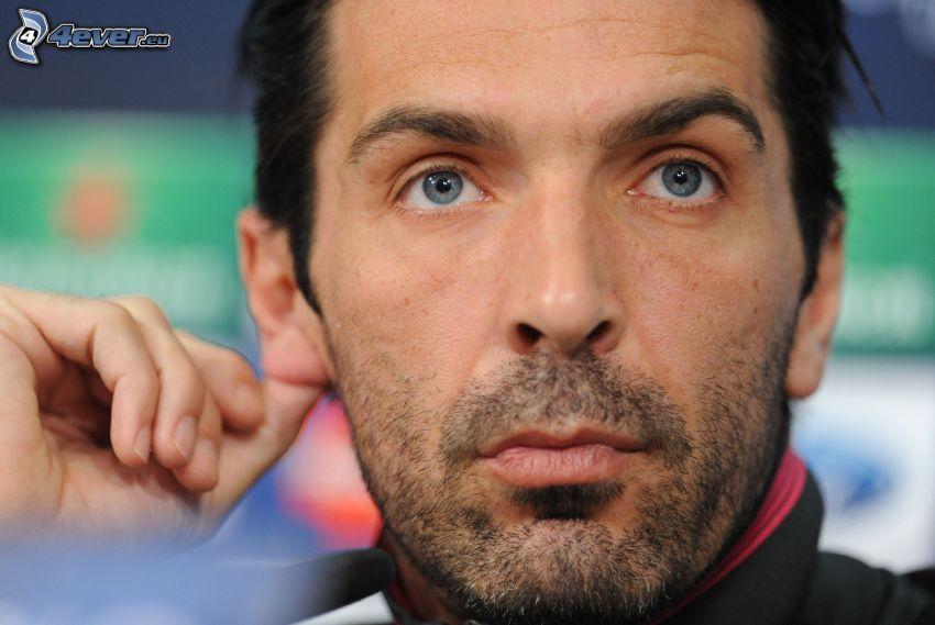 Gianluigi Buffon, spojrzenie