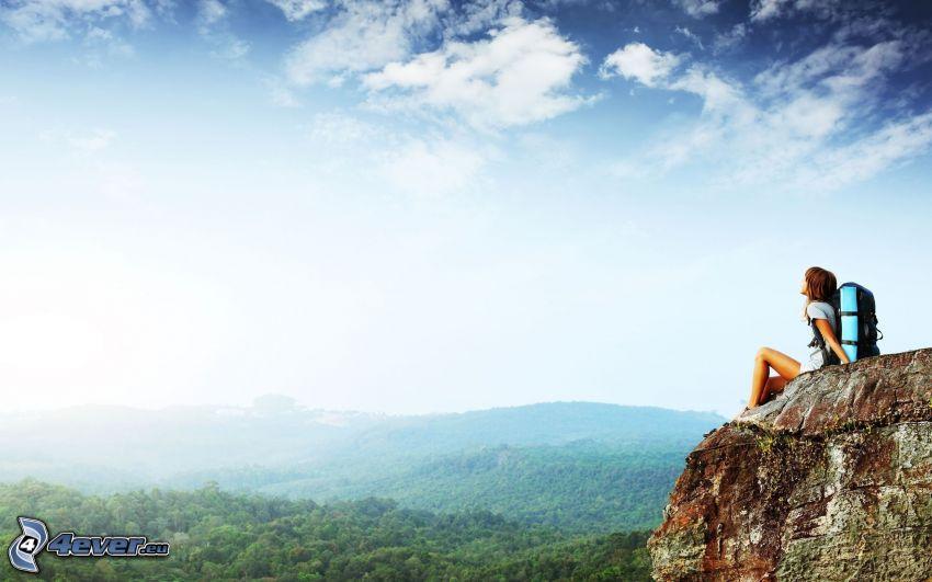 widok ze skał, turysta, chmury, odpoczynek