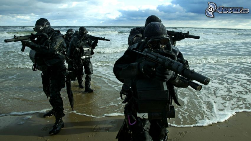 żołnierze, morze