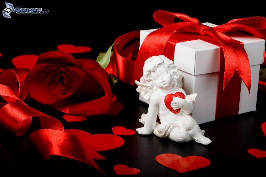aniołek, czerwone serduszka, czerwona róża, prezent