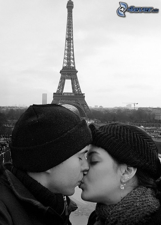 Paryż, Wieża Eiffla, pocałunek, mężczyzna i kobieta