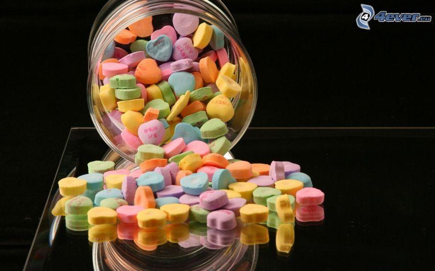 kolorowe cukierki, serduszka