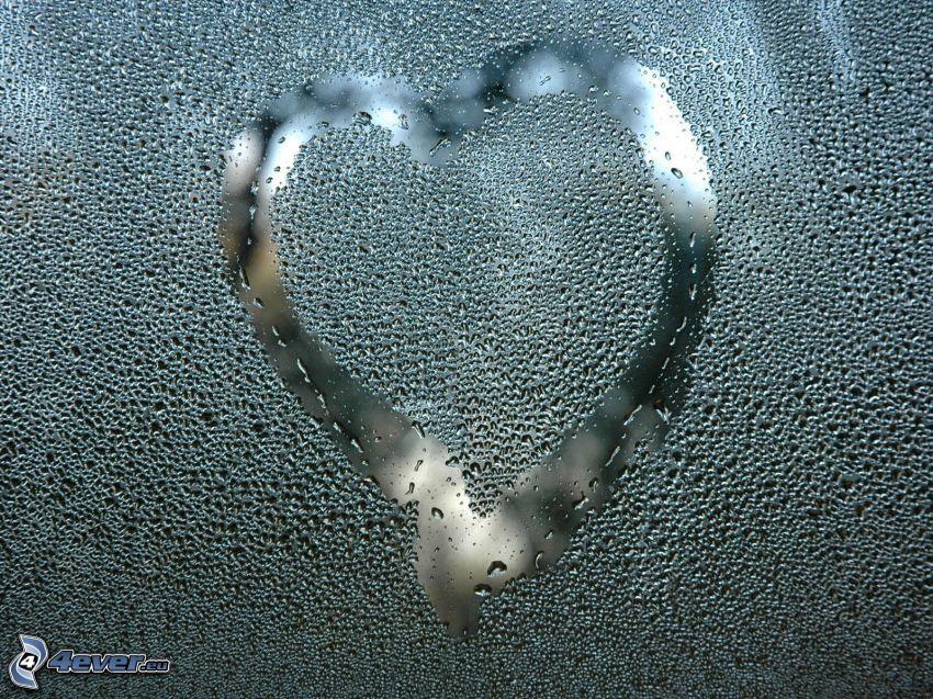 serce na oknie