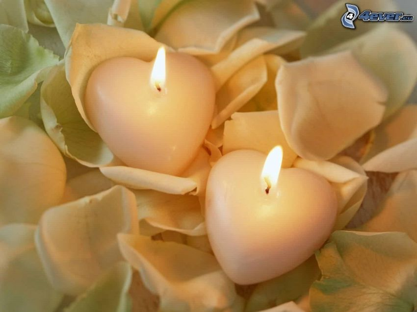 świece w kształcie serca