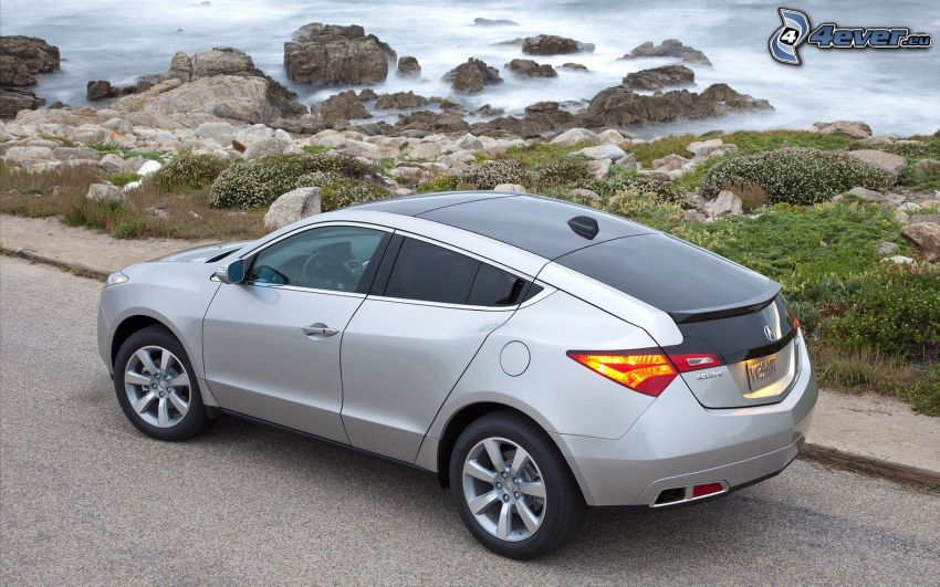 Acura ZDX, skalisty brzeg