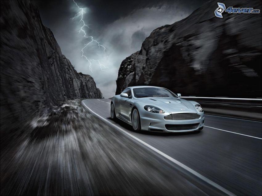 Aston Martin, sportowe auto, ulica, piorun