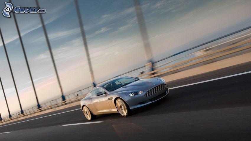 Aston Martin DB9, most, prędkość