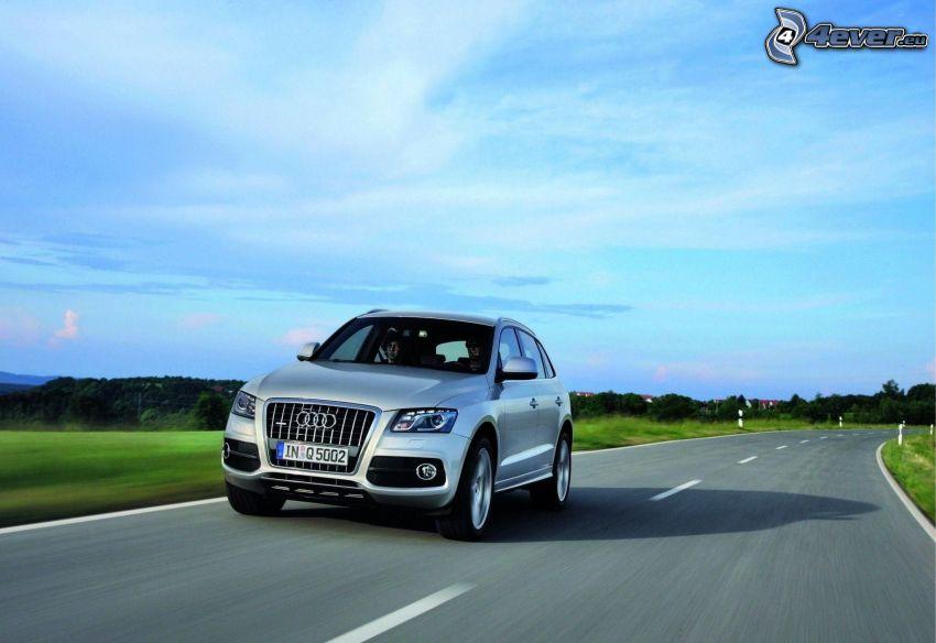 Audi Q5, prędkość, ulica