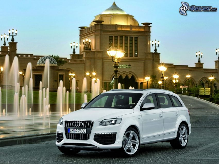 Audi Q7, fontanna, hotel, budowla