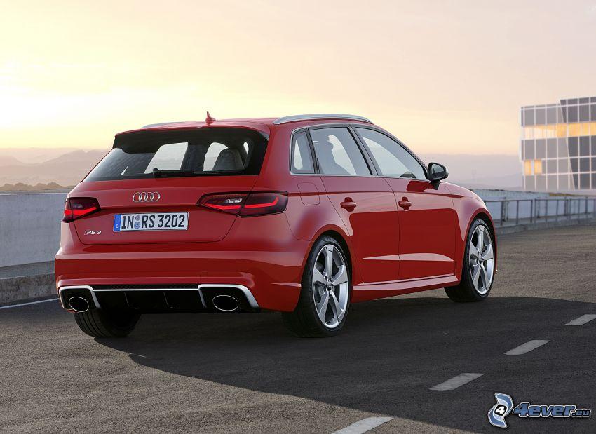 Audi RS3, ulica