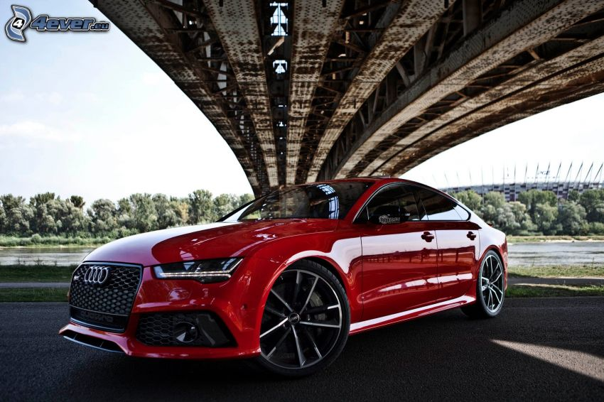 Audi RS7, pod mostem