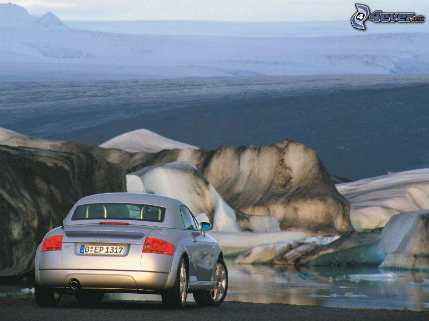 Audi TT, skała, lód