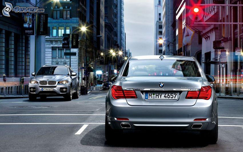 BMW 5, BMW X6, ulica