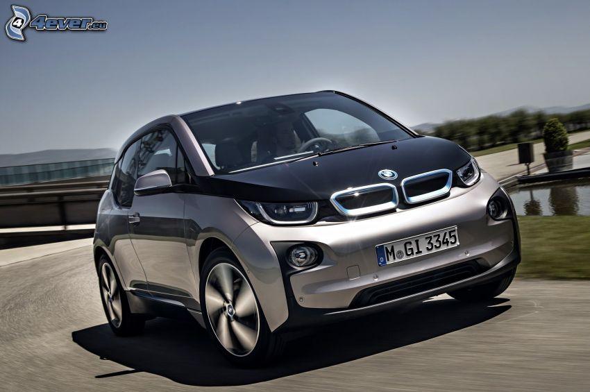 BMW i3, ulica