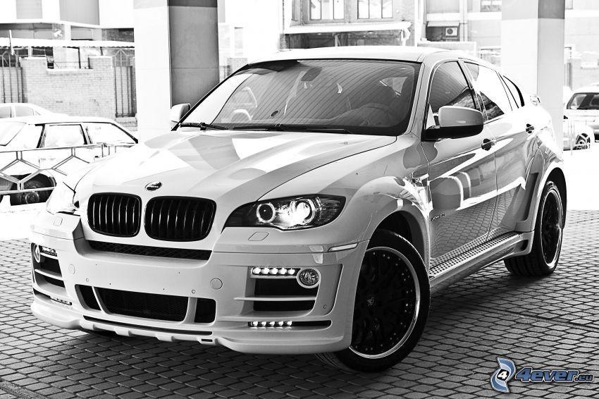 BMW X6, czarno-białe zdjęcie