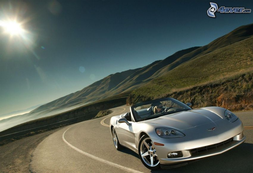 Chevrolet Corvette, kabriolet, ulica, słońce