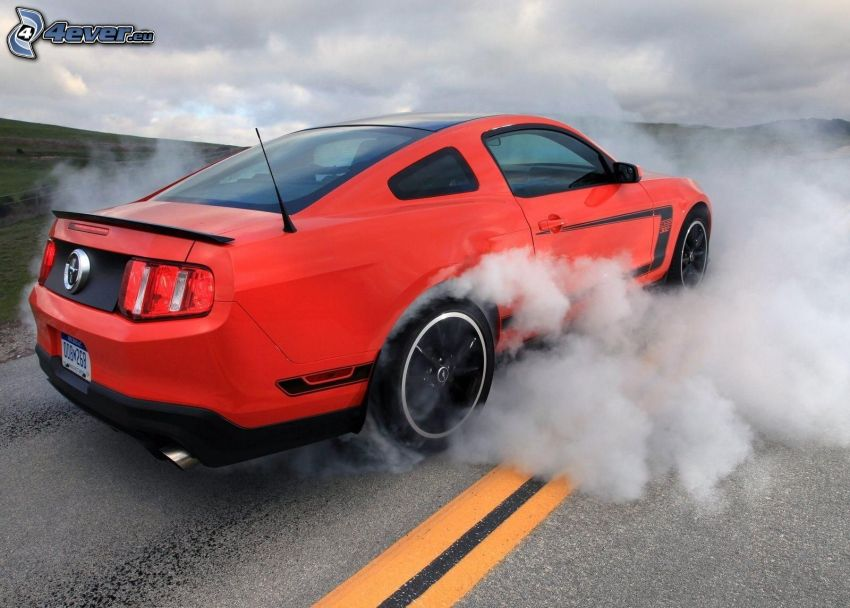 Ford Mustang, burnout, dym