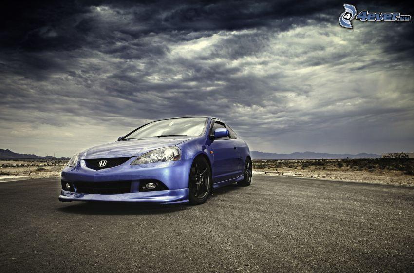 Honda, ulica, chmury