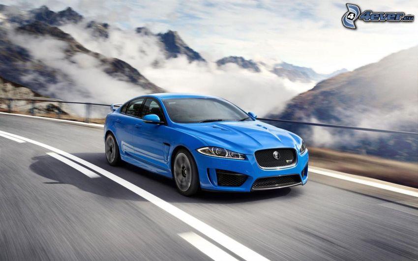 Jaguar, prędkość, chmury, wzgórza