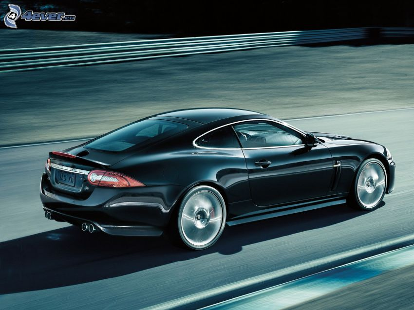Jaguar XKR, prędkość