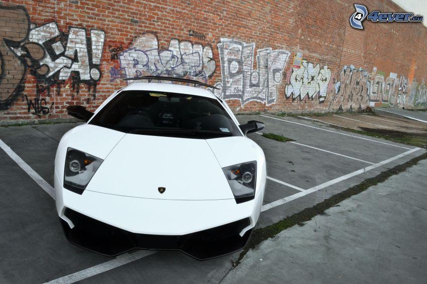 Lamborghini Murciélago, parking, ceglany mur