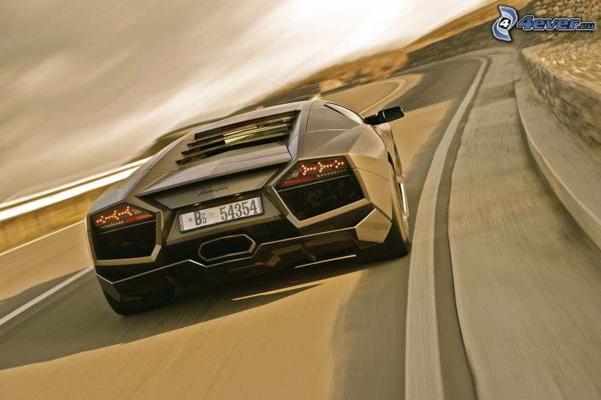 Lamborghini Reventón, prędkość, ulica