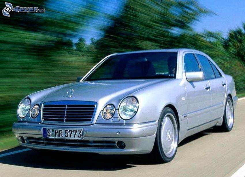 Mercedes, prędkość