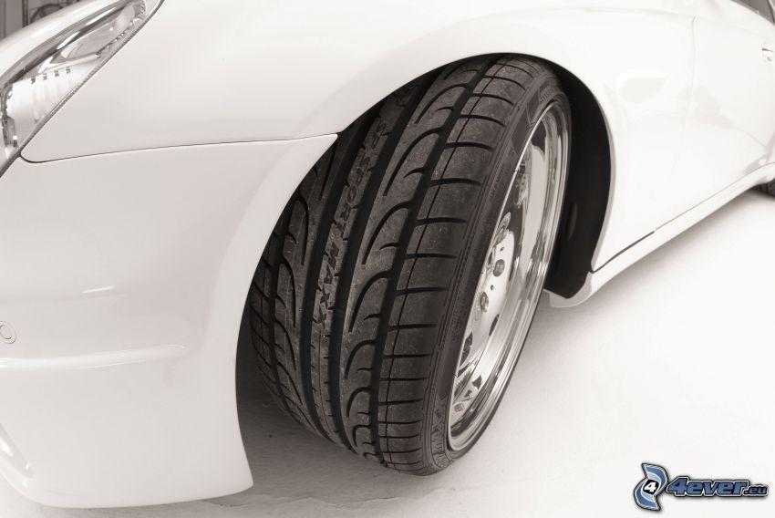 Mercedes-Benz, koło, opona