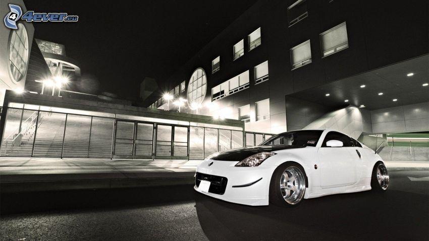 Nissan 350Z, czarno-białe zdjęcie