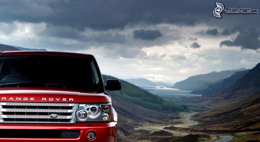 Range Rover, dolina, chmury