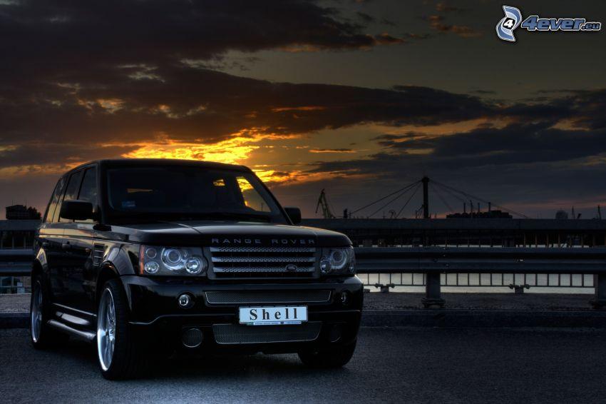 Range Rover, po zachodzie słońca, chmury, most