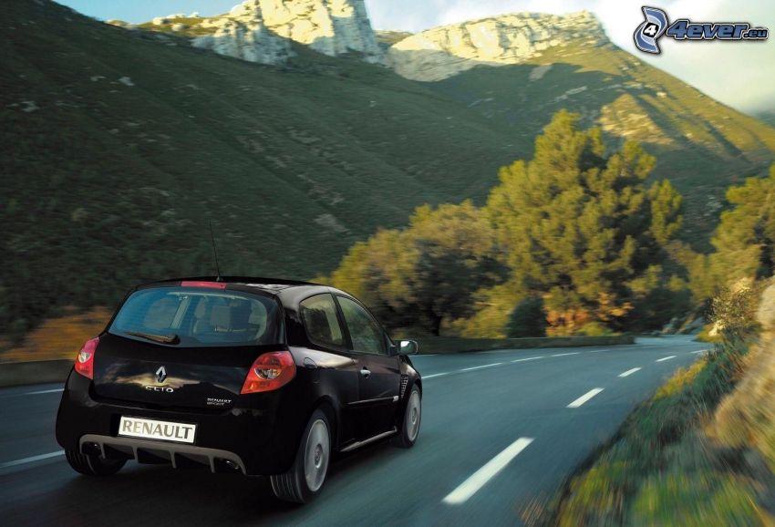 Renault Clio RS, ulica, prędkość, wzgóże ze skały